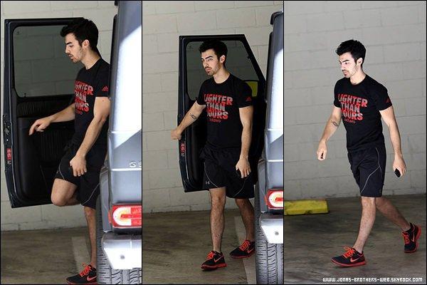 Le 20 Décembre 2013 | Joe allant une nouvelle fois à la gym à L.A.