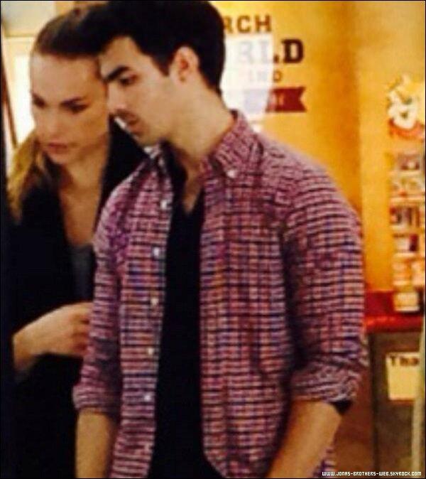 Le 27 Décembre 2013 | Joe et Blanda à l'aéroport de Dallas.