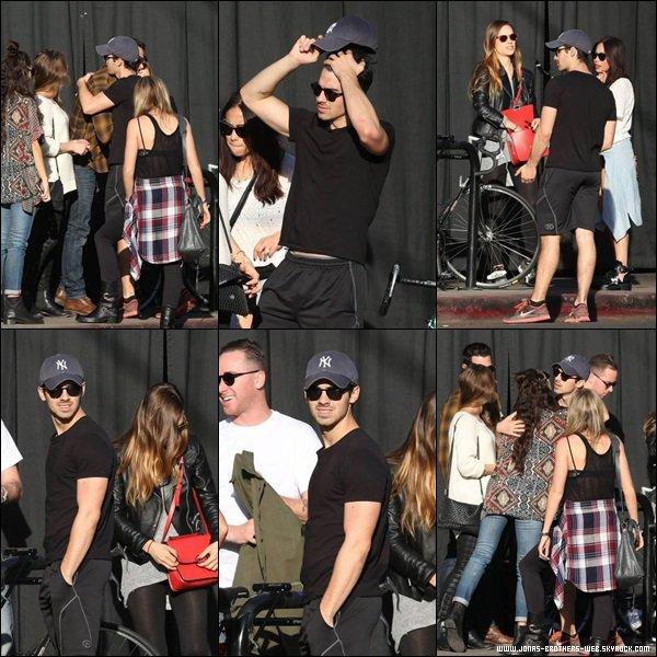 Le 29 Décembre 2013   Joe et Blanda ont déjeuner avec leurs amis à L.A.