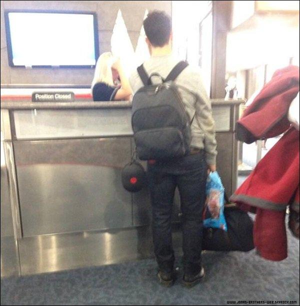 Le 11 Janvier 2014 | Kevin a été vue à l'aéroport de Las Vegas.