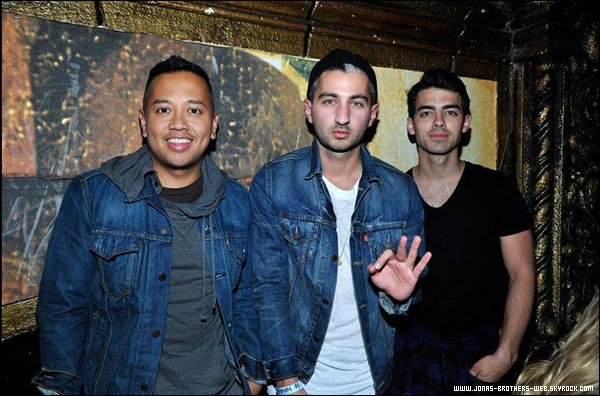 Le 22 Janvier 2014 | Joe a été à la soirée Levi's Pre-Grammy Party à Los Angeles.