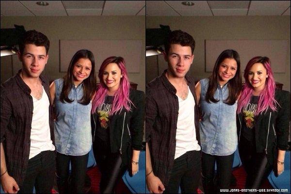Interview | Nick et Demi ont donné une interview à E!News. Vidéo / Vidéo