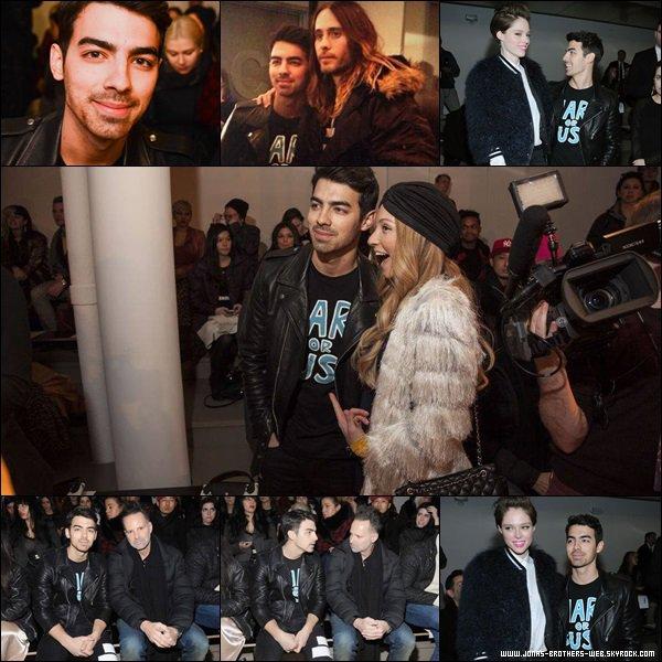 Le 12 Février 2014 | Joe est allé au Jeremy Scott fashion show.