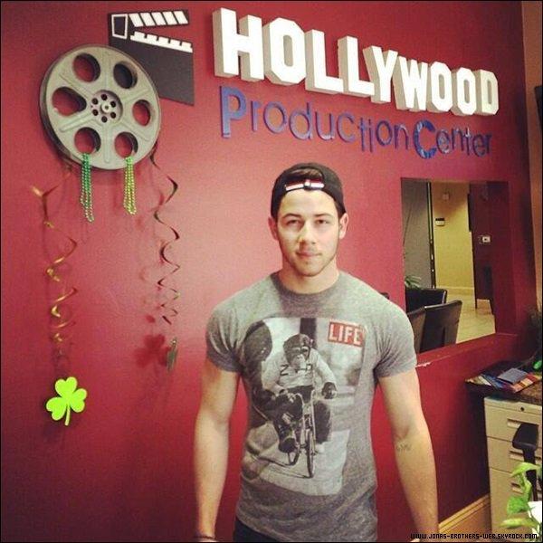 Le 04 Mars 2014 | Joe et un ami au Urth Cafe, L.A.