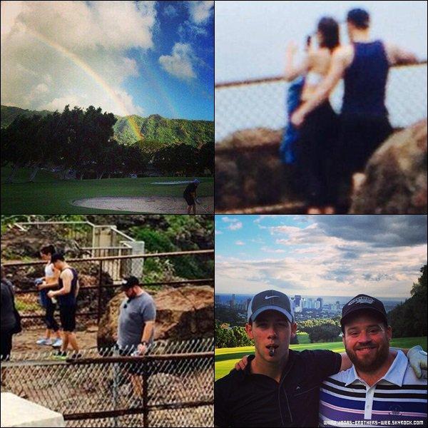 Le 15 Mars 2013 | Nick, Olivia et John ont été prit en photo à Hawaii.