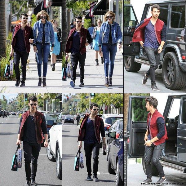Le 02 Avril 2014   Joe et Gigi ont fais du shopping ensemble à L.A.