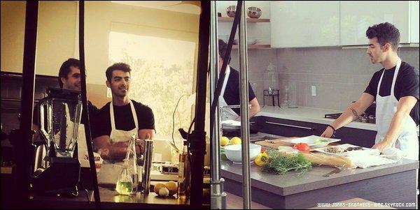 Le 25 Avril 2014 | Joe était sur le tournage d'une émission de cuisine avec le Chef Jon Shook pour NYLON TV.