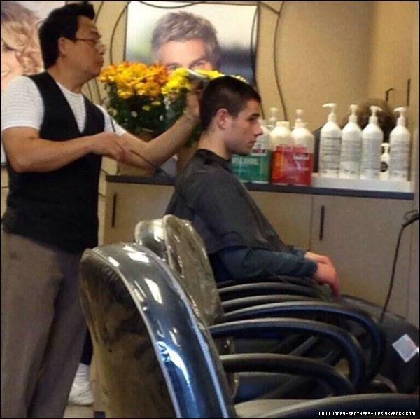 Le 26 Avril 2014 | Nick chez le coiffeur, L.A.