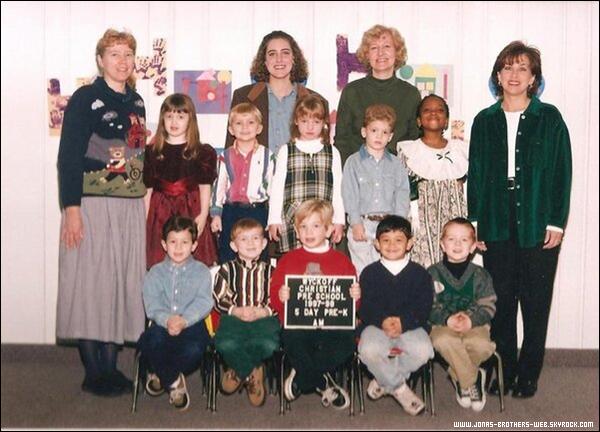 Photo   Photo de classe de l'école maternelle de Nick.