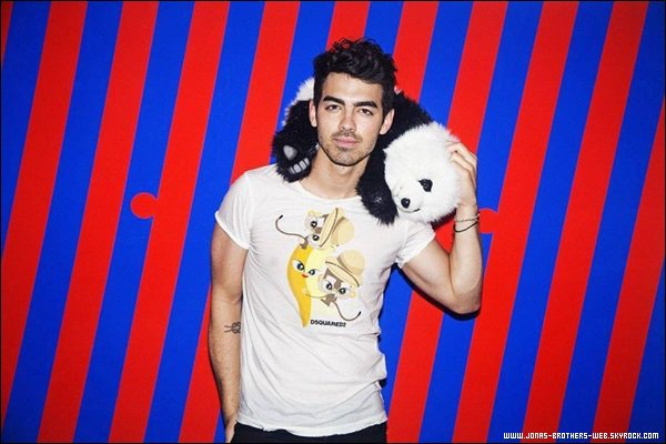 Photoshoot 2014 | Joe pose pour le magazine Galore Issue Summer.