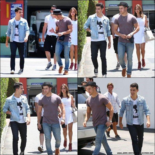 Le 13 Juin 2014 | Joe et Nick ont mangé ensemble à L.A.