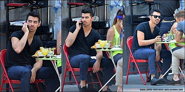 Le 09 Août 2014 | Joe et un ami sont allé déjeuner au restaurant La Esquina à Soho, NY.