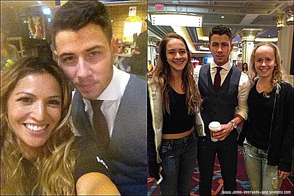 Photos | Nick a posé gentiment avec des fans.