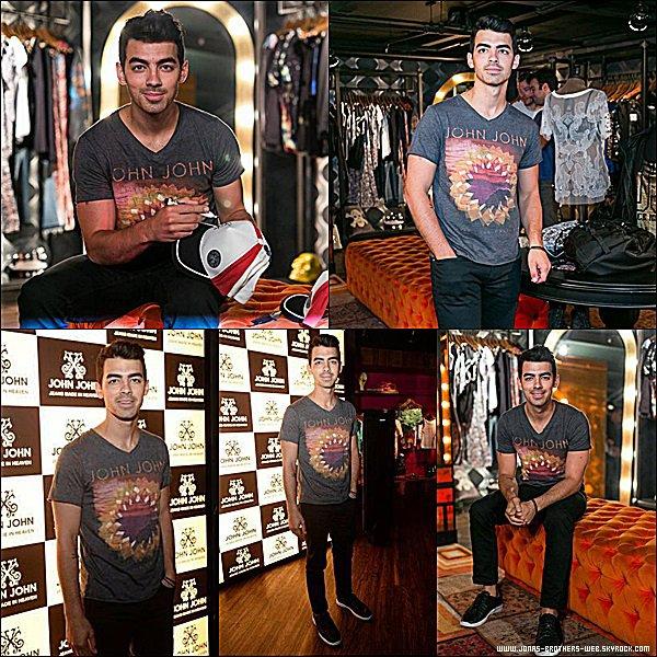 Le 21 Août 2014 | Joe s'est rendu à la boutique de John John à Rio, Brésil.