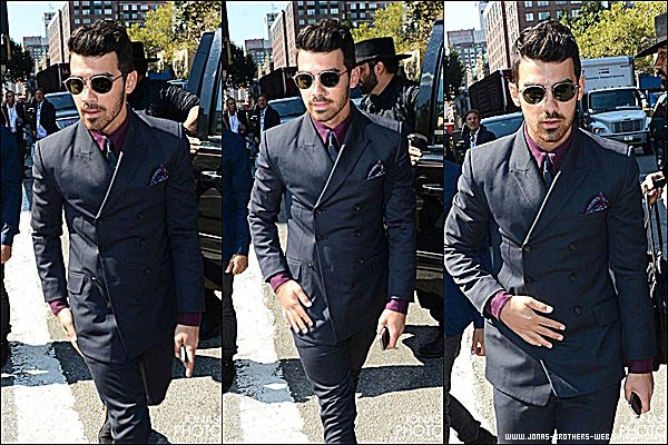 Le 04 Septembre 2014 | Joe et Nick sont allé au défilé de Richard Chai à New York.