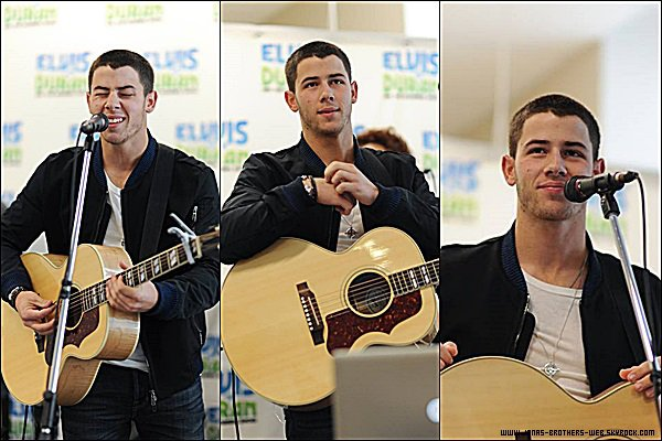 Le 09 Septembre 2014 | Nick est allé dans les studio de The Elvis Duran Z100 Morning Show, New York.