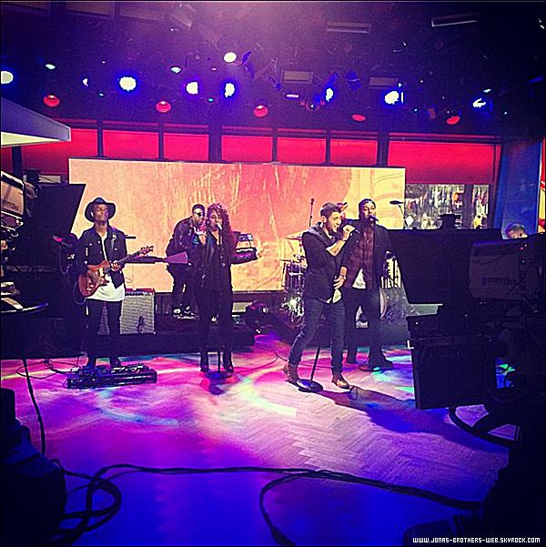 Le 05 Septembre 2014 | Nick a été au répétition du Demi World Tour à Baltimore.