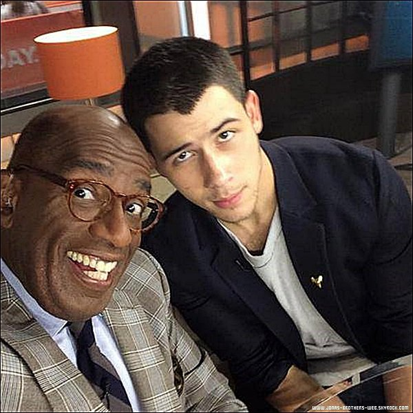 "Le 12 Septembre 2014 | Nick a donné une interview sur le plateau du Today Show et a chanter ""Jealous""."