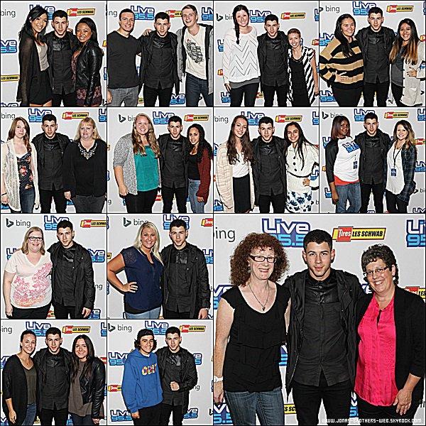 Le 23 Septembre 2014 | Nick présent au The Bing Lounge à Portland, Oregon.