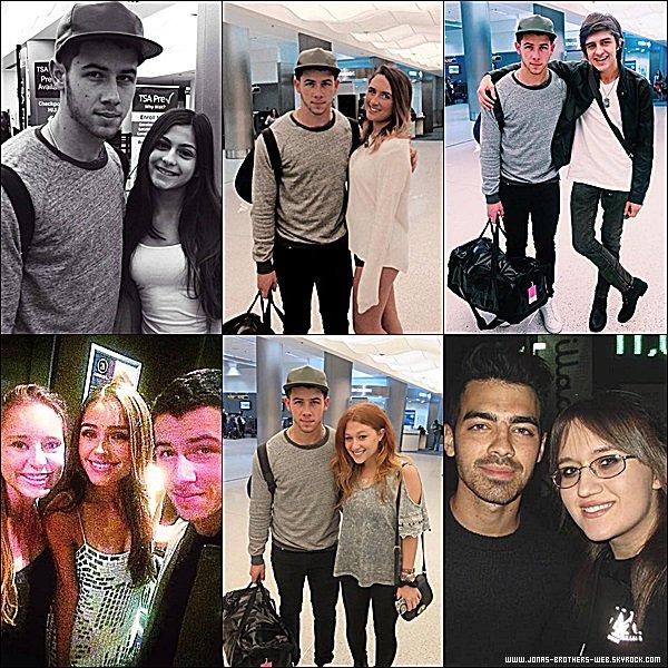 Photos | Nick et Joe ont posé avec leurs fans.