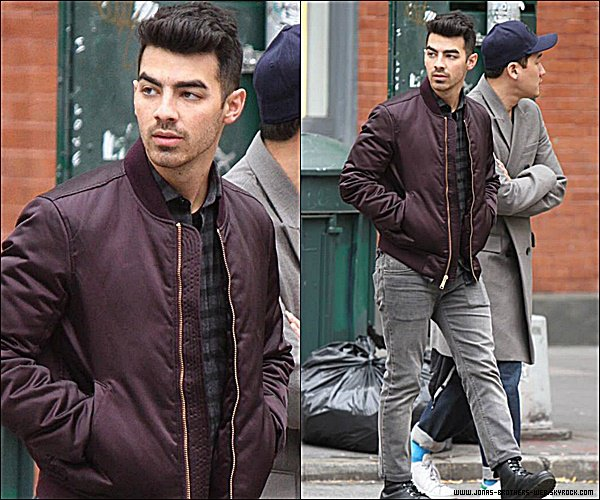 Le 10 Novembre 2014 | Joe allant manger dans Los Angeles.