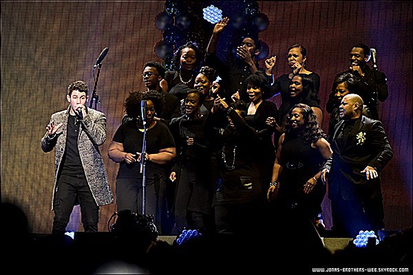 Le 10 Décembre 2014 | Nick présent au Q102's Jingle Ball 2014 à Philadelphie.