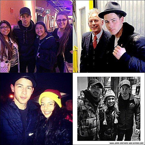 Photos | Joe et Nick ont posé avec des fans.