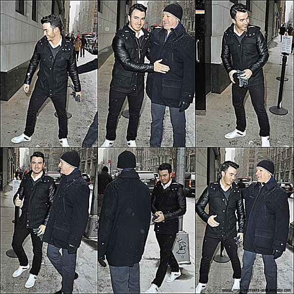 Le 06 Janvier 2015 | Kevin arrivant au The Wendy Williams Show à New York.