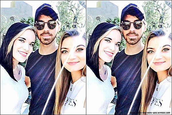 Le 24 Janvier 2015 | Joe et son ami dans Los Angeles.
