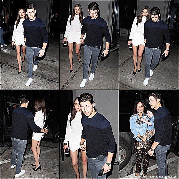 Le 08 Mars 2015 | Nick et sa chérie Olivia quittant le restaurant Craig's à Beverly Hills, Los Angeles.