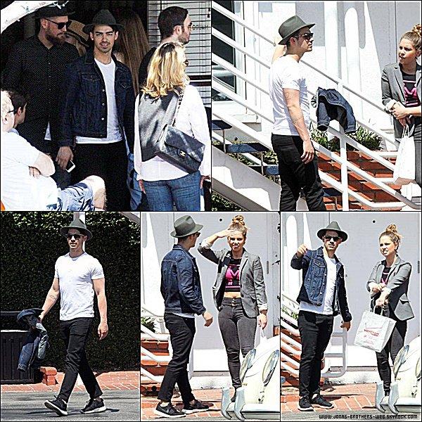 Le 03 Avril 2015 | Joe et ses amis ont prit du bon temps dans Los Angeles.