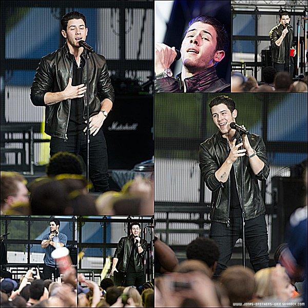Le 18 Avril 2015 | Nick s'est rendu au Auburn University pour faire un petit concert.
