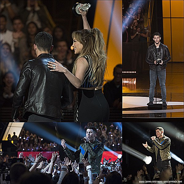 Le 25 Avril 2015 | Nick, Olivia et Joe ce sont rendu au Radio Disney Music Awards à Los Angeles.