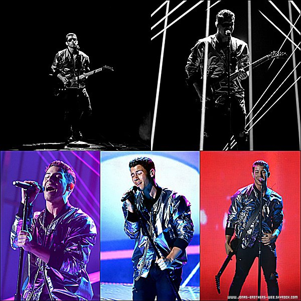 Le 17 Mai 2015 | Nick et Olivia sont allé au Billboard Music Awards à Los Angeles.
