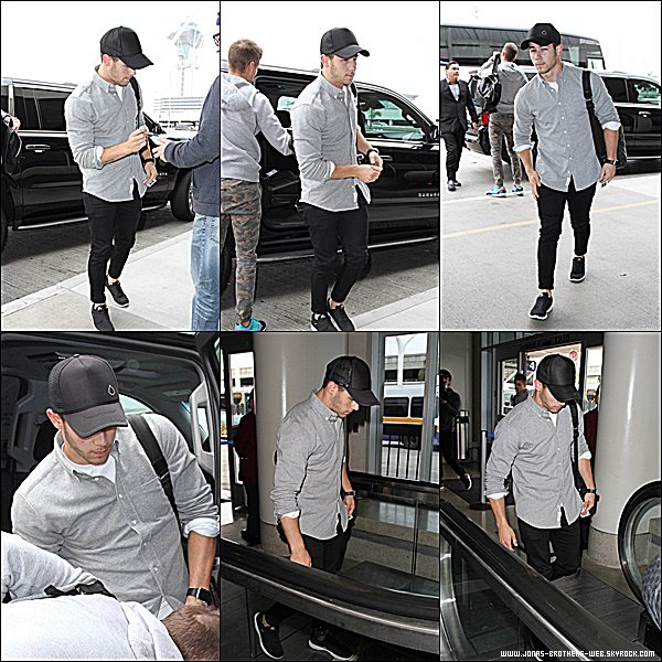 Le 10 Juin 2015 | Nick, fatigué, arrivant à l'aéroport de LAX à Los Angeles.