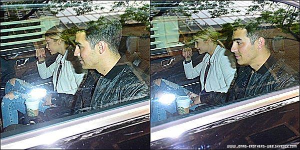 Le 11 Juin 2015 | Joe est allé chercher sa chérie, Gigi Hadid, à l'aéroport de New York.