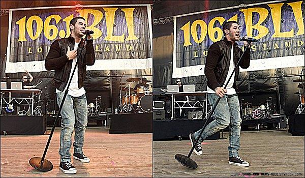 Le 13 Juin 2015 | Nick s'est rendu au WBLU Summer Jam à New York afin de donné un petit concert.