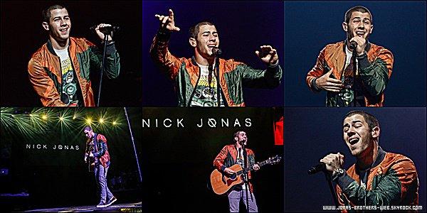 Le 19 Juin 2015 | Nick est allé au donné un petit concert au WZPL Birthday Bash à Indianapolis.