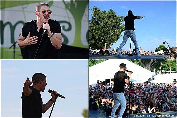 Le 27 Juin 2015 | Nick est allé au Boise Music Festival à Boise dans l'Idaho.