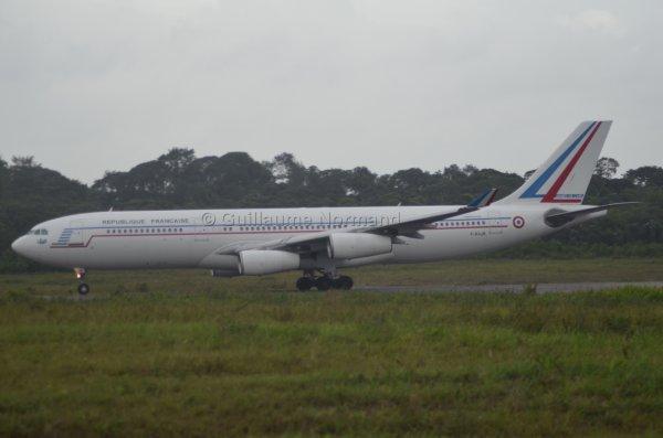 Arrivée et départ d'un Airbus A340 !