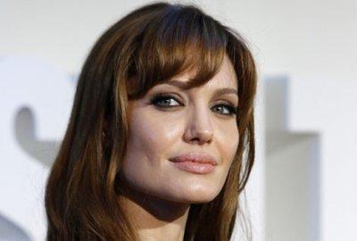 Angelina Jolie : elle va réaliser son premier film !