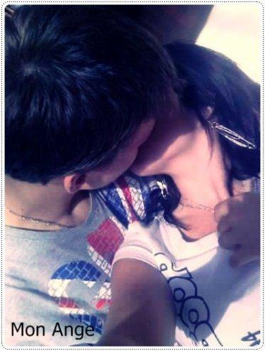 (♥)_ « ~ Nous, nous représentons l'amour, nous sommes tout se qu'il ya de plus puissant au monde. »