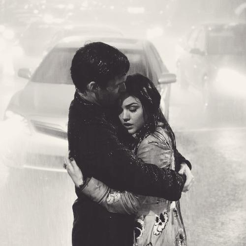 """""""Ça fait tellement du bien d'aimer les gens qu'on aime que ça finit par faire mal."""""""