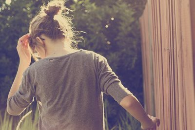 Un flingue sur la tempe de la routine .        / Declan De Barra & Maïdi Roth ~ Not to love you  (2011)