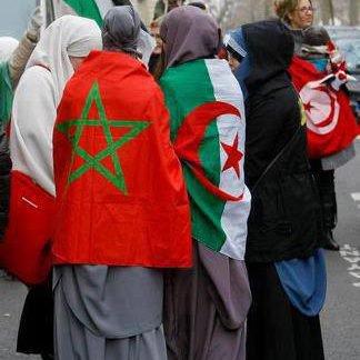 Description :  _ _ _ _ _ _ _ _ _ _ _ _ ♥  ALLAH OU AKBAR !  C'est Gravé Dans Mon Coeur.    L'islam ses ma viie. Allah Mon Guiide !   l'islam La plus belle des religions ! _________________   [ الله ]  Wa Salam .