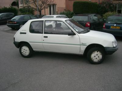 voici ma premiere voiture - guetta johns