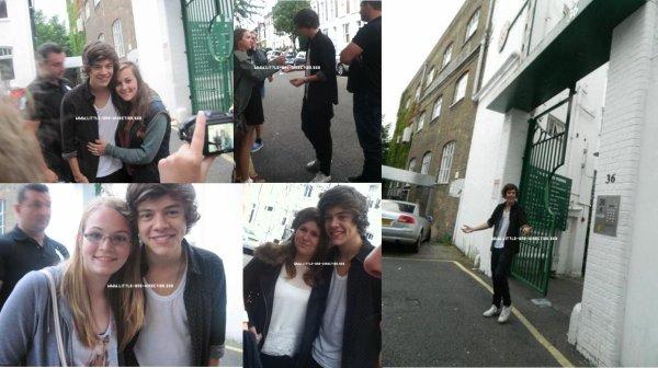 Harry à la sortie du studio