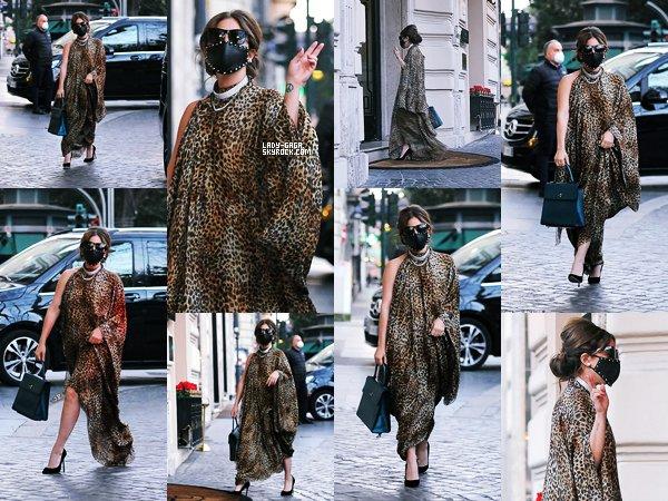 """24/02/21   ▬ Lady Gaga a été aperçue arrivant à son  « Hôtel » à Rome pour le tournage du film """" Gucci """"."""