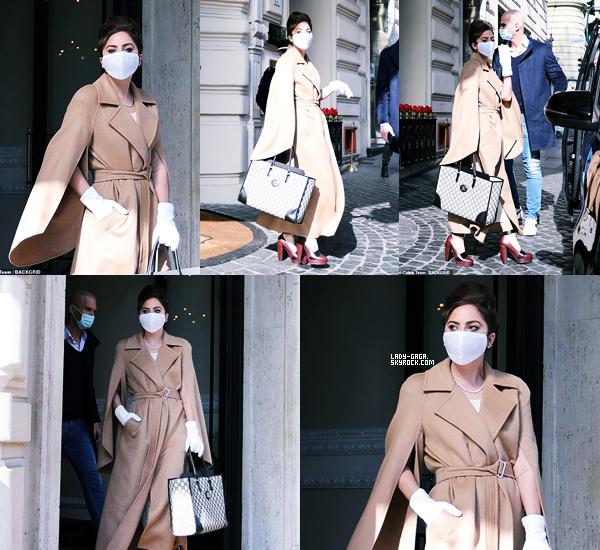 """02/03/21   ▬ Lady Gaga a été aperçue quittant son  « Hôtel » à Rome pour le tournage du film """" Gucci """"."""