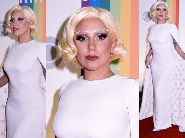 07/12/14   ▬ Lady Gaga toute belle, était présente à l'événement  « Kennedy Center Honnors » . C'est un Top!